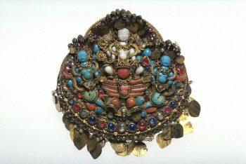 Earrings, part of a set of jewellery