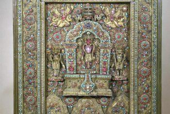 Shrine of the bodhisattva Avalokiteshvara with attendants