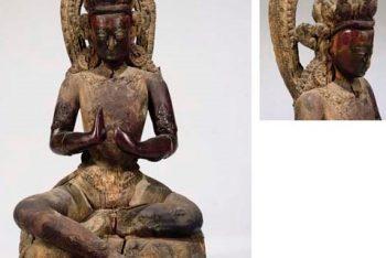 A WOODEN SCULPTURE OF BODHISATTVA