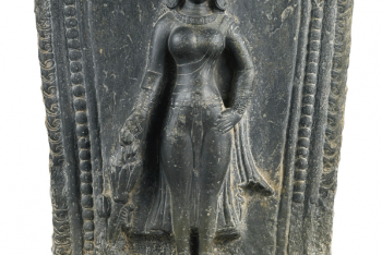 A GRAY STONE STELE DEPICTING PARVATI NEPAL, 12TH CENTURY